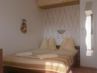 Charming Apartment-studio Dodo for Two, Krk