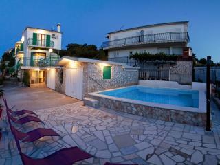 One bedroom apartment in villa with private pool, Razanj