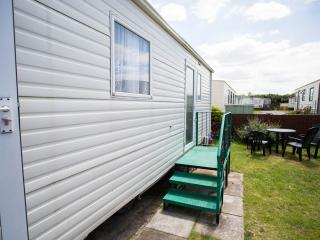 A.B.I. Arizona 2006. 6 berth caravan to rent., Brean