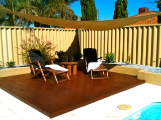 IANDRA HOUSE HOLIDAY HOME WITH POOL, AIRCON, WIFI, Carramar