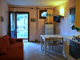 New apartment in quiet residence, great location!, Porto Cervo