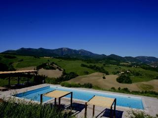 Villa Barn with pool near Urbino and the sea