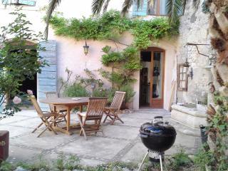 Twin Bleue B&B VILLA  FONTILHA Languedoc, FR