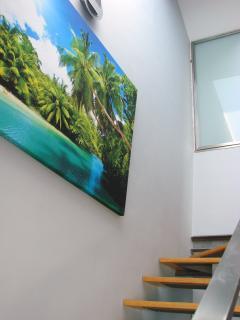 acceso  planta superior con dormitorio