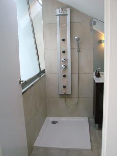 baño superior con ducha