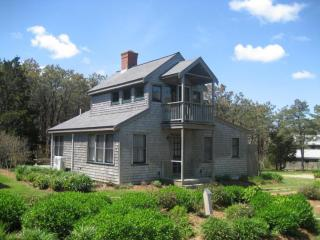 The Cottage with Breathtaking Waterviews 116344, Oak Bluffs
