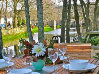 The Moorings - a luxury holiday cottage set on the banks of the River Fowey.
