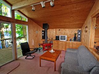 Hideaway Cove cottage (#861), Marmora