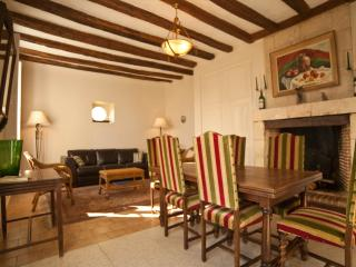 Loire Valley Chateau Hideaway - near Loches - La Conciergerie