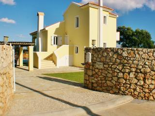 Morgorlwg Fila luxury 4 bedroom villa, Karavadhos