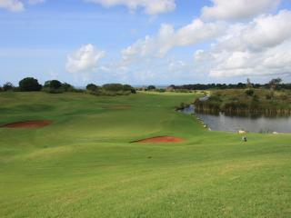 PGA Standard 18 hole golf course - Ian Woosnan Signature Course