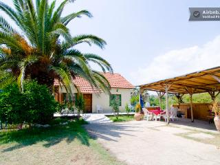 villa for 10 near the beach, Toroni