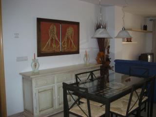 Apartamento de 110 m2 de 2 hab, Garrucha