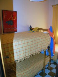 Dormitorio , 2 literas + 1 cama,