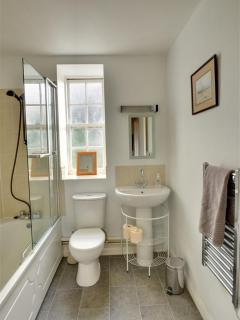 Bathroom - fresh and modern