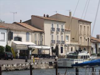 Quayside Apartment Marseillan