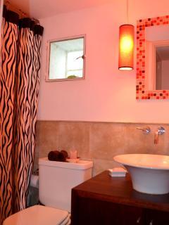 Guest Bath w/Tub Imported Linens
