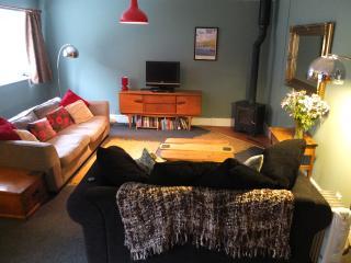 Spacious open plan lounge/kitchen with big comfy sofas