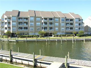 Lovely 3BR w/ dock space - Buccaneer Village #836, Manteo