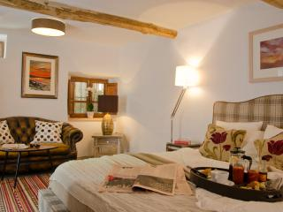 Valle de Lunas - Red Moon Suite, Orgiva
