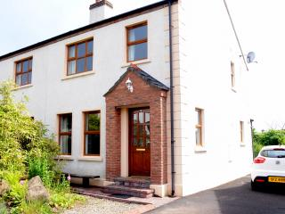 Bushmills Holiday Cottage with Golf Nearby