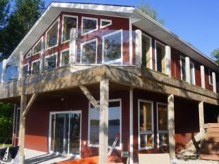 Loon Lodge on Miller Lake