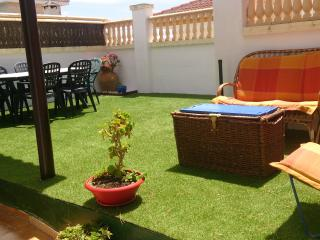 3 dormitorios y precioso jardin privado de 120 m., Matalascañas