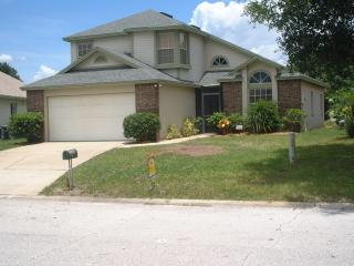 Detached Villa with WiFi, Tennis Court, and Pool, Kissimmee