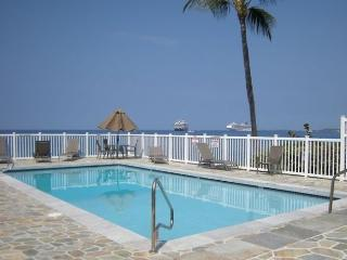 Oceanfront Complex with Oceanside Pool - 2 Bedroom, Kailua-Kona