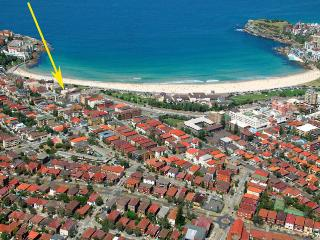 Opposite Bondi Beach, Australia: Sirena by the Sea