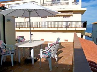 Costabravaforrent Farina 3, up to 4, 50m to beach, L'Escala