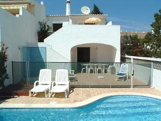 Luz Bay, spacious house with private pool and walk to beach !