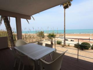 STUNNING HOUSE AT THE BEACH, Denia