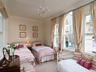 Glorious Master Bedroom or triple room