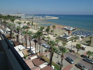 Sunorama waterfront apartment on Finikoudes beach