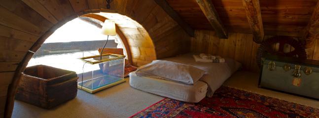 mezzanine space 2 can sleep here