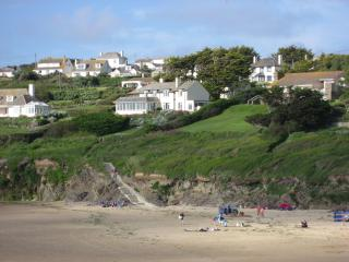 Winwaloe, Cliff Lane, New Polzeath PL27 6U E