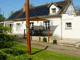 SUPERB 3 Bedroom Cottage Gite 2-5 + free WiFi