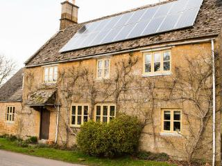 Cotswolds and Stratford-upon-Avon Farmhouse B&B, Chipping Campden
