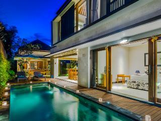 Villa Taksu Tiga Bali, Legian
