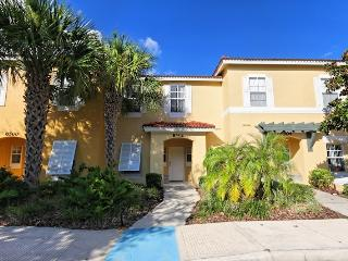 Crystal Cove Gem, Lovely Villa Rental with Wireless Internet, Kissimmee