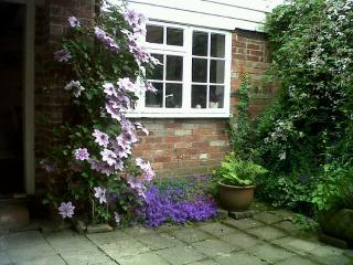 Quince Cottage Tenterden Kent .Parking Sleeps 5