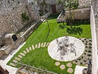 Casa con 2 giardini vicino il Parco d'Abruzzo