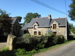 PIC Cottage from road