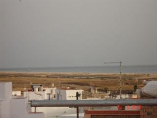 Vista al exterior, en los dias despejados se visualiza marruecos