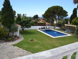 Preciosa villa a 300 m. de la playa, Marbella