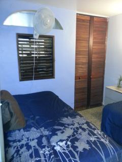 1st bedroom  2 twin beds