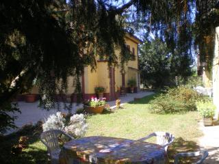 Italy, lombardy,pavia,farmhouse,garden