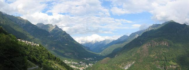 Pianazzola village (left) and Engadina