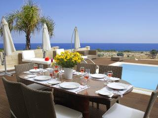 Leonies' By The Sea, Protaras